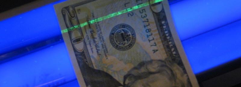 Test auf Falschgeld